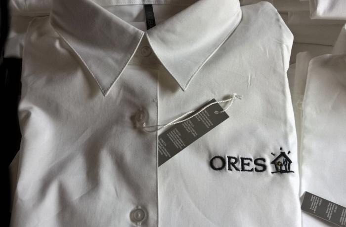 Broderie sur chemises